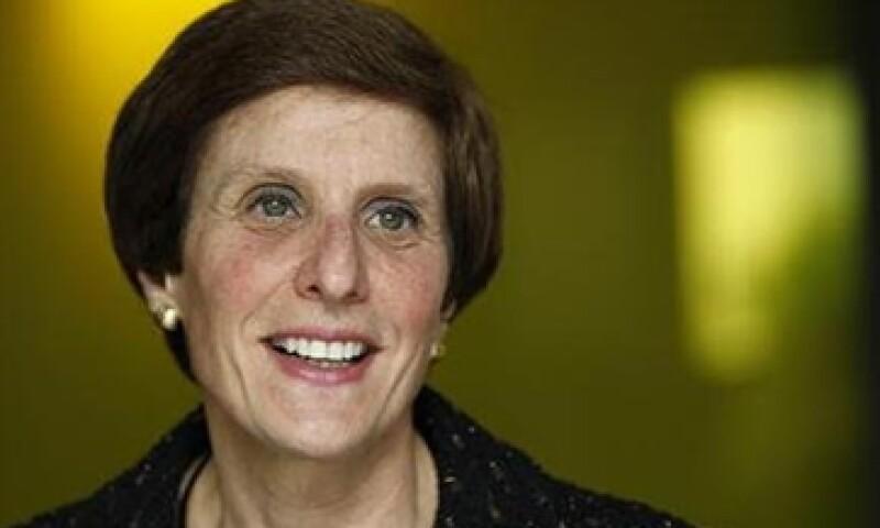 Irene Rosenfeld, CEO de Kraft Foods cambió su estrategia de expansión tras adquirir la empresa británica Cadbury en el 2010. (Foto: Reuters)