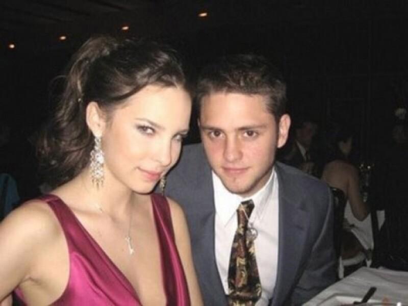 Él negó tener un romance con Belinda, pero cuando a ella le preguntaban siempre contestaba irónicamente. Nunca lo aceptó ni lo negó.