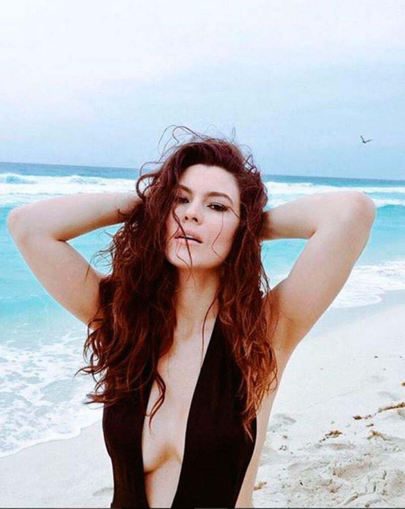 Estas son algunas imágenes que Natália ha presumido de su participación en Playboy.