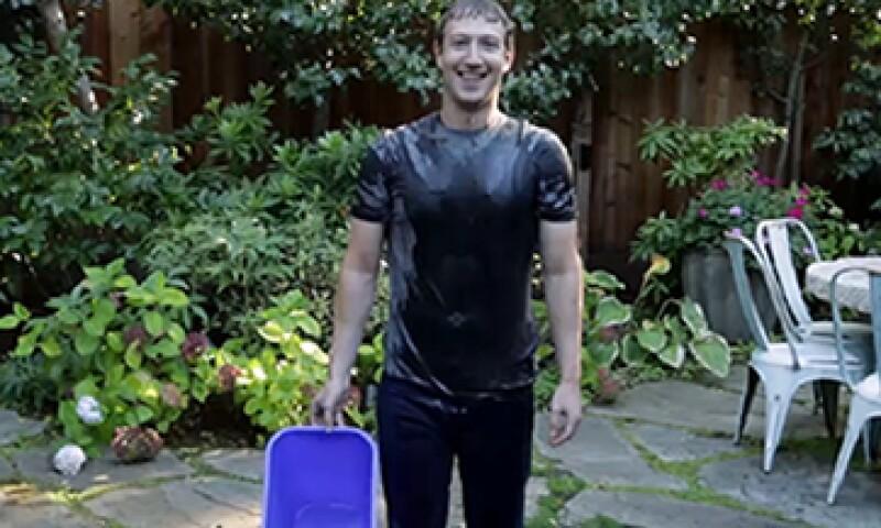 Mark Zuckerberg grabó el video y lo subió a su perfil oficial de Facebook. (Foto: tomada de Facebook/Zuck)