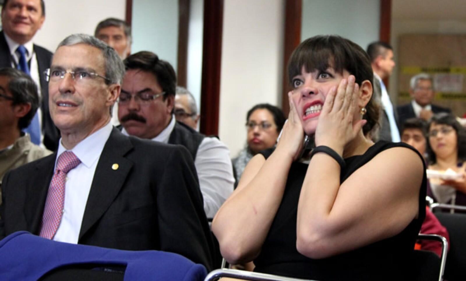 La legisladora Lilia Aguilar, vicecoordinadora del Partido del Trabajo, expresó así su emoción durante la actuación del Tricolor.