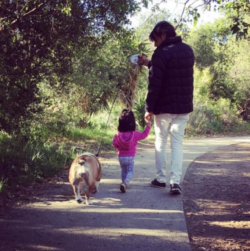 Eugenio trata de disfrutar cada momento con su hija.
