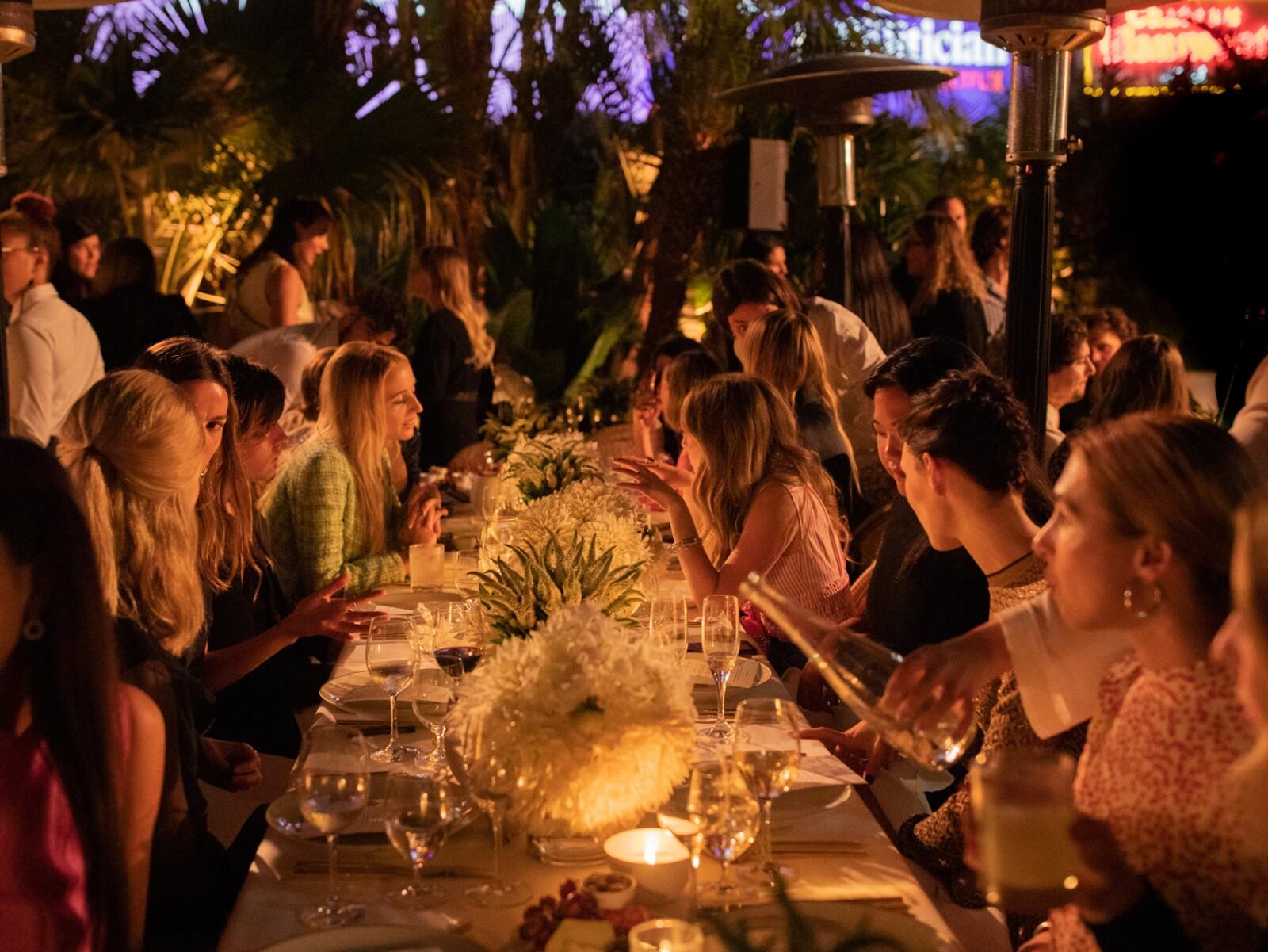 Atmosphere_Gabrielle CHANEL Essence_Dinner_Hosted by Margot ROBBIE_September_12th_2.jpg