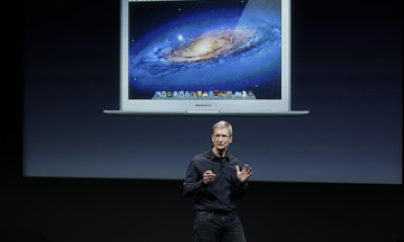 Tim Cook era el director operativo de Apple antes de suceder a Steve Jobs. (Foto: AP)