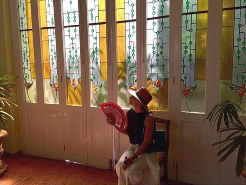 Ana Brenda publicó esta foto de su viaje a Cuba en donde está en Perfumería Havana.