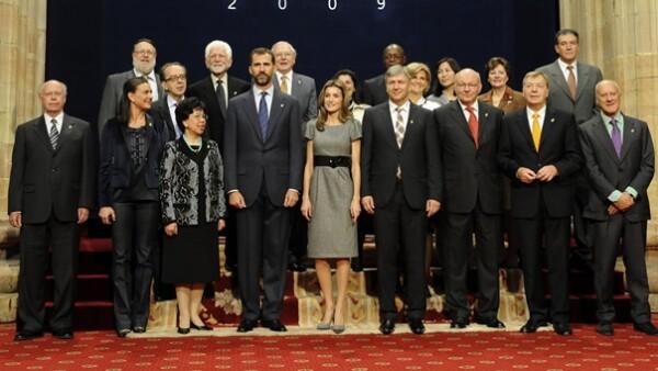 José Narro Robles, rector de la UNAM, recibió la insignia de manos de los Príncipes de España en una ceremonia realizada en Oviedo.