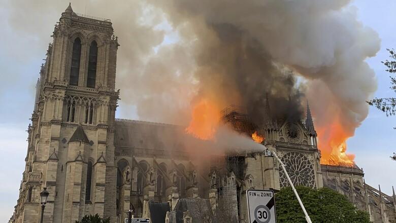 Incendio Notre Dame-11