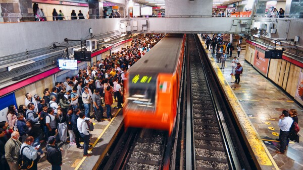 Rush hour in Chapultepec Metro Station of Mexico City