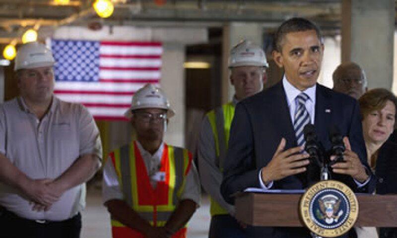 Obama se enfrenta a los republicanos que sostienen que la medida no sería muy útil para estimular el crecimiento económico. (Foto: AP)