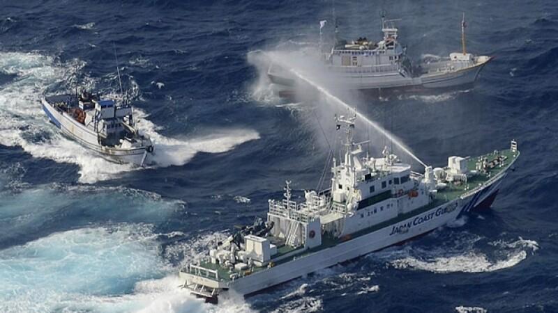 islas en disputa: taiwan barcos pesqueros vs guardia costera japon
