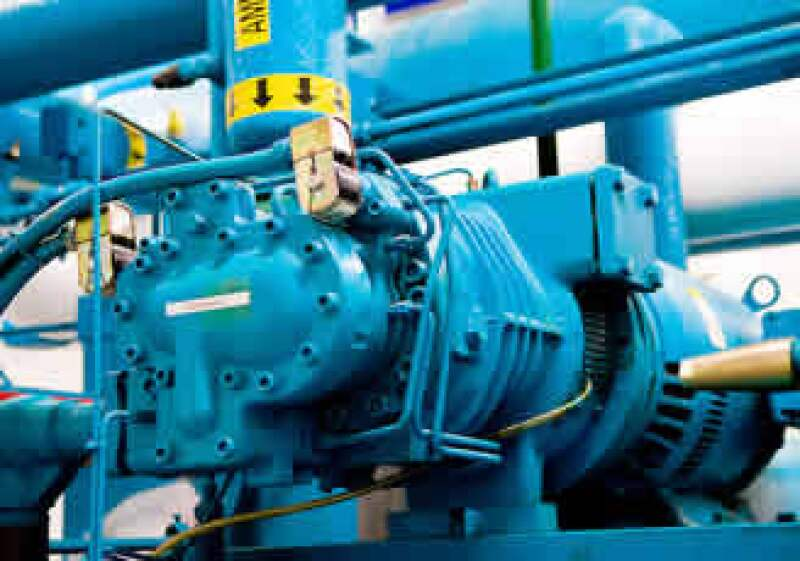 La producción de maquinaria y equipo cayó 32% en abril pasado. (Foto: Jupiter Images)