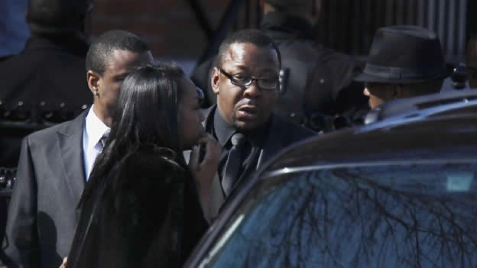 bobby brown en el funeral de whitney