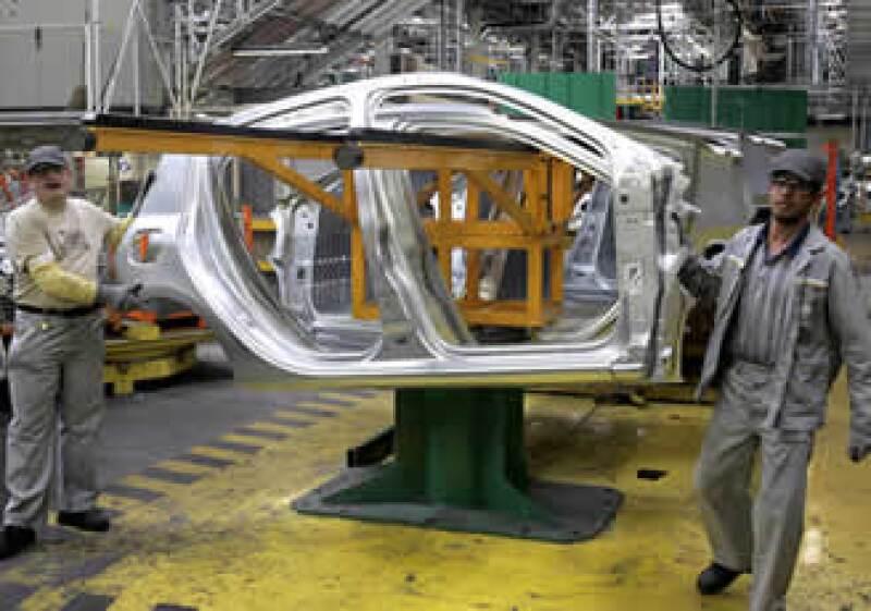 De acuerdo con la AMDA, Renault dejará de fabricar el Clío para armar otro modelo. (Foto: AP)