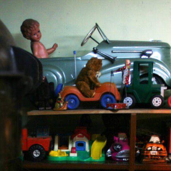 La colección de Roberto Shimizu se inició en 1955 cuando él tenía 10 años y rescataba los juguetes que le gustaban de la juguetería de su padre.