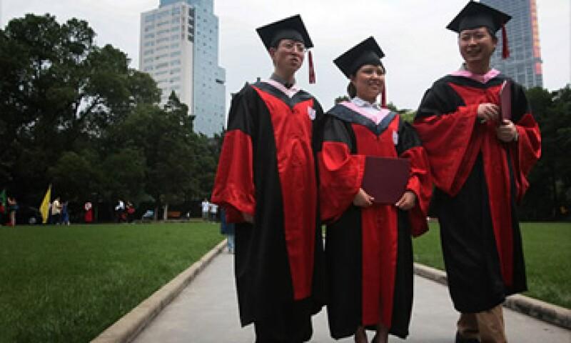 Los numerosos graduados en ciencia y tecnología le dan una ventaja a China en sectores de rápido crecimiento. (Foto: Cortesía CNNMoney)