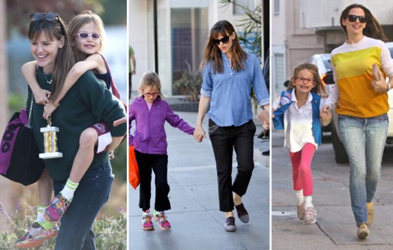 Jen y su hija se visten bastante parecido.