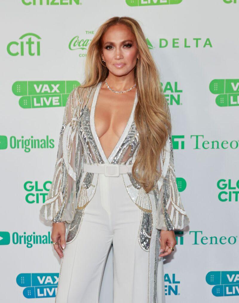?url=https%3A%2F%2Fcdn 3.expansion.mx%2Fd8%2F8a%2Fb84c50a74707ae75bd5f8273edc6%2Fgettyimages 1315940282 - Jennifer Lopez firma millonario contrato con Netflix