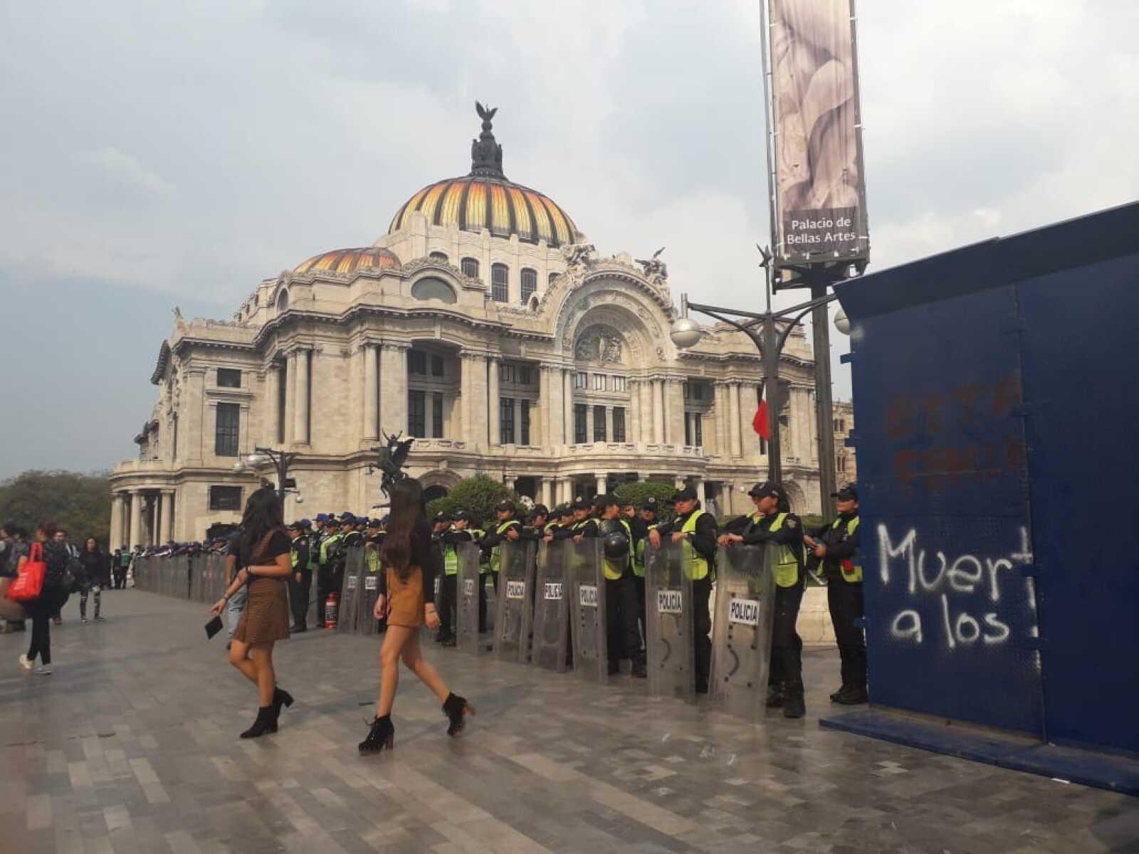 Protesta en Bellas Artes
