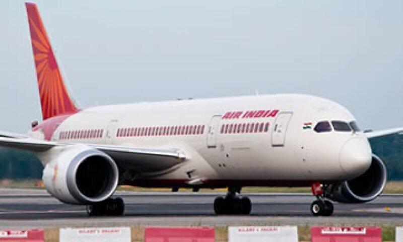 La aeronave fue fumigada tras el incidente. (Foto: Tomada de facebook.com/AirIndia )