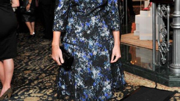 Beatriz de York usó un vestido con motivos florales en una cromática fría apra el evento.