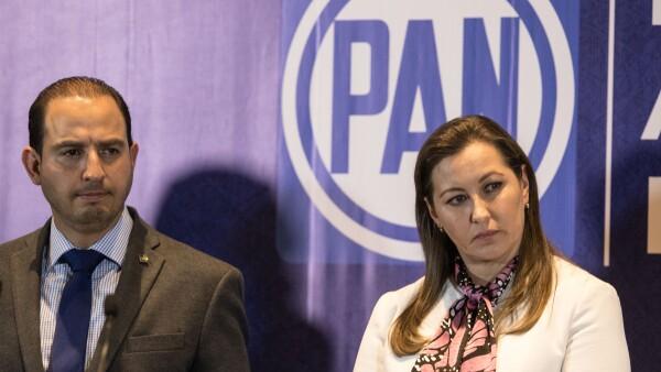 Marko Cortés y Martha Erika