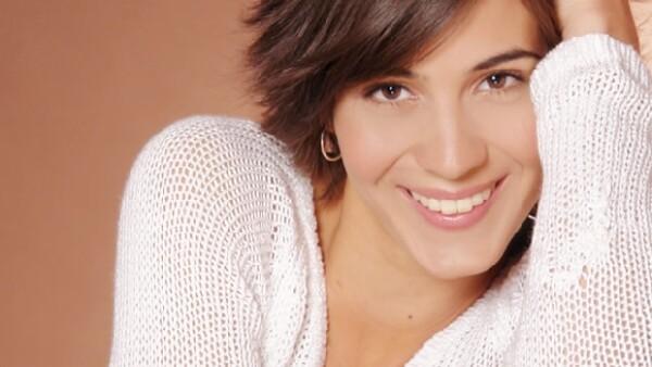 La hija de Fernando Luján filmó en Bolivia la película `También la lluvia´, la cual es protagonizada por el actor. También participó en la serie `Locas de amor´, entre otros proyectos.