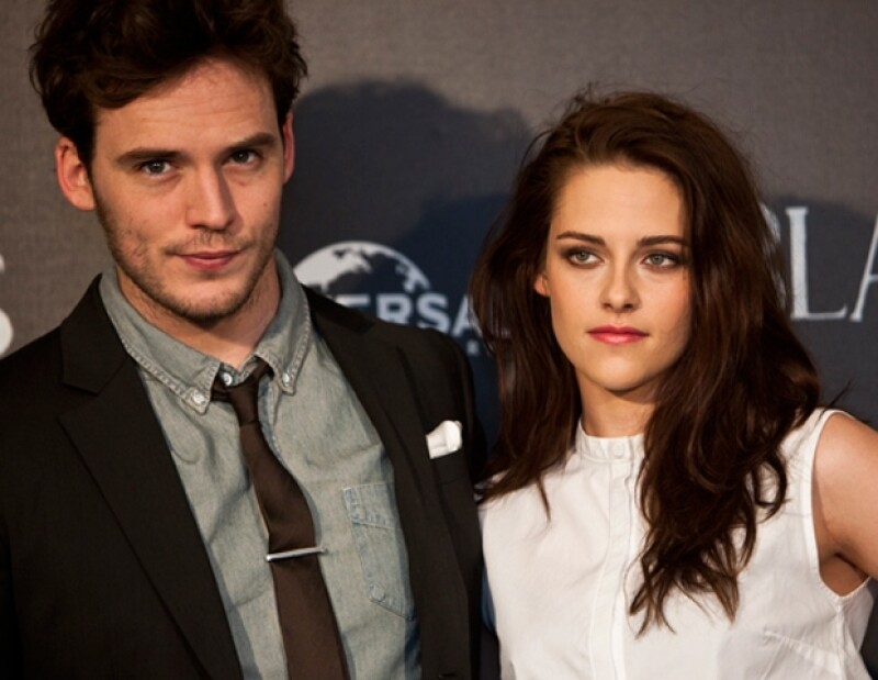 Sam Claflin y Kristen Stewart. La actriz se mostró en todo momento relajada y muy divertida.