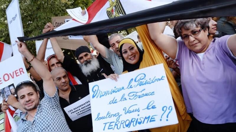 Protestas del mundo islámico por violencia en Egipto