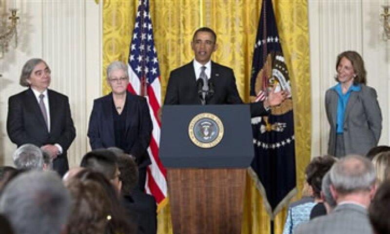 Mathews (extremo derecho) fue también subdirectora de la Oficina Presupuestaria del Congreso durante el Gobierno de Bill Clinton. (Foto: AP)