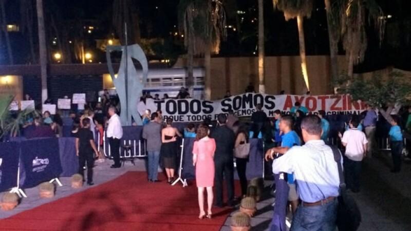 Protestas Ayotzinapa en Los Cabos festival de cine