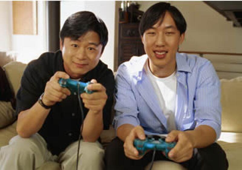 El promedio de las personas adictas a los videojuegos son de 35 años, suelen tener sobrepeso, ser introvertidos y padecer depresión. (Foto: Jupiter Images)
