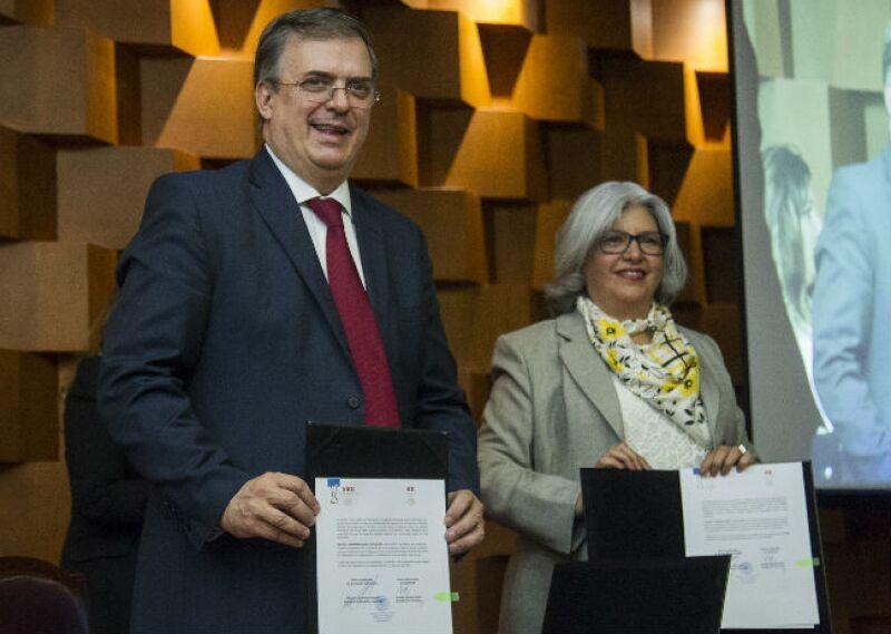 firma de convenio entre Secretaría de Economía y Secretaría de Relaciones Exteriores