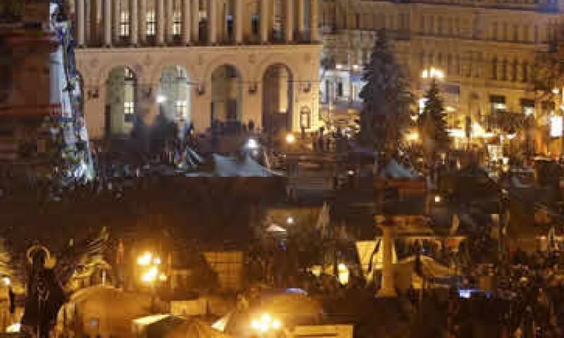 Las manifestaciones en Ucrania estallaron luego de que el presidente Viktor Yanukovich rechazó un acuerdo con la Unión Europea a favor de un paquete de asistencia desde Moscú. (Foto: Reuters)