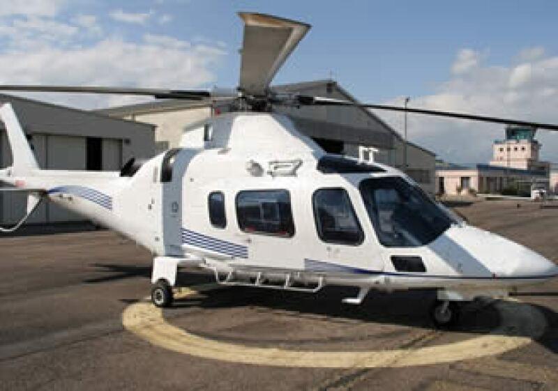Autoridades indagan las causas del desplome del helicóptero donde viajaba Moisés Saba. En la foto aparece un modelo similar a la unidad que sufrió el percance. (Foto: Notimex)