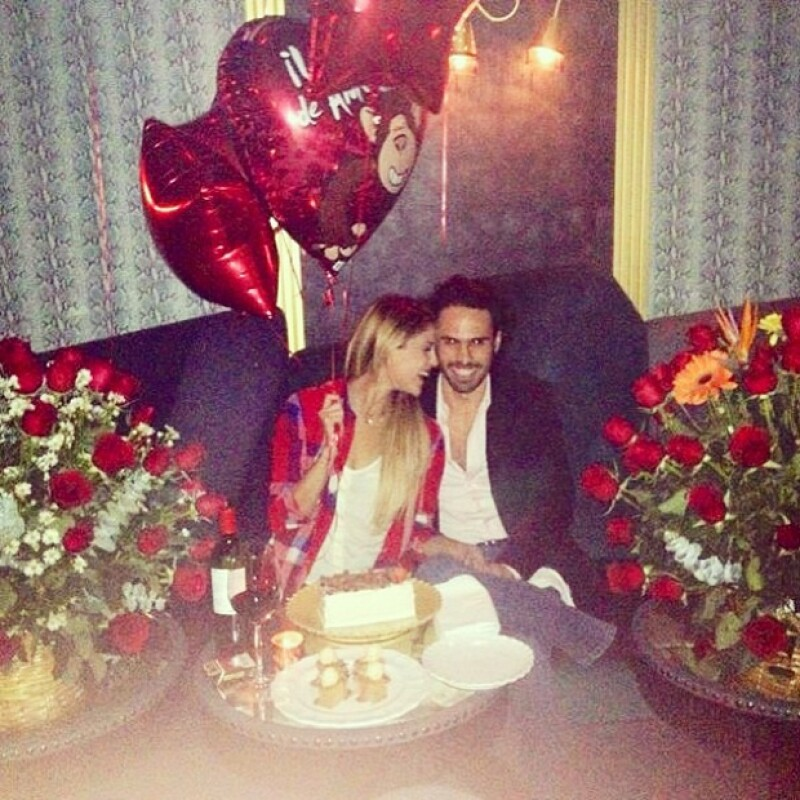 Así festejaron el cumple 23 de la cantante y actriz.