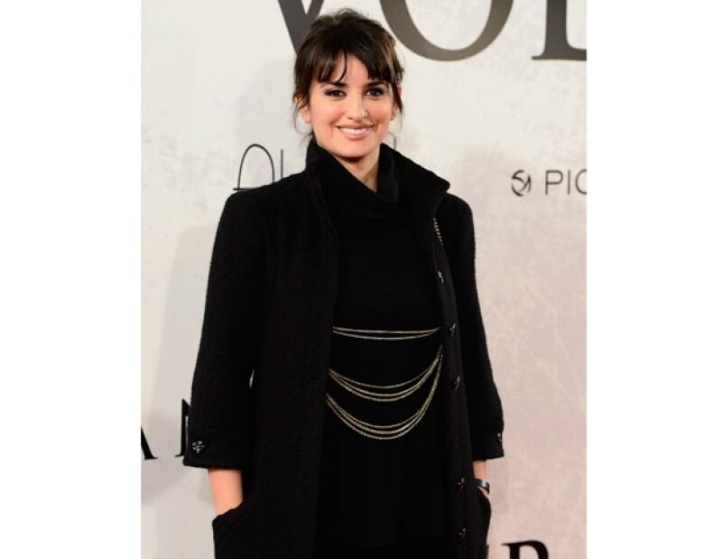Aunque la atención del mundo se concentró en Inglaterra; en Madrid la actriz española y su esposo Javier Bardem recibían a la cuarta integrante de la familia.