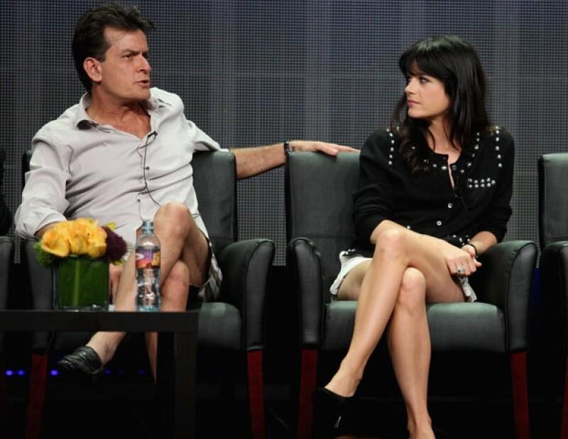 """Según informó TMZ, los actores de """"Anger Management"""" están distanciados luego de que ella se quejara de los retrasos y la escasa ética de Sheen."""