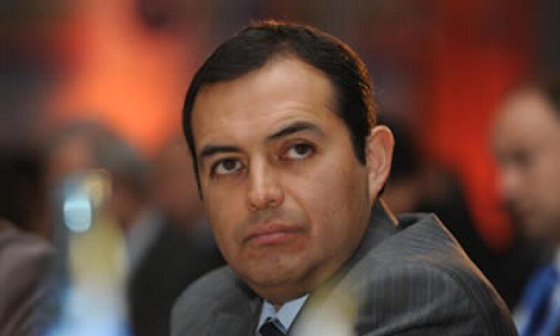 Ernesto Cordero insiste en su llamado al gobernador del Estado de México, Enrique Peña Nieto, a que acepte debatir. (Foto: Notimex)