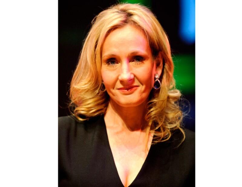 La autora británica ha puesto a la venta su casa de Edimburgo, por casi tres millones de euros, en la que escribió gran parte de los libros que la hicieron popular.