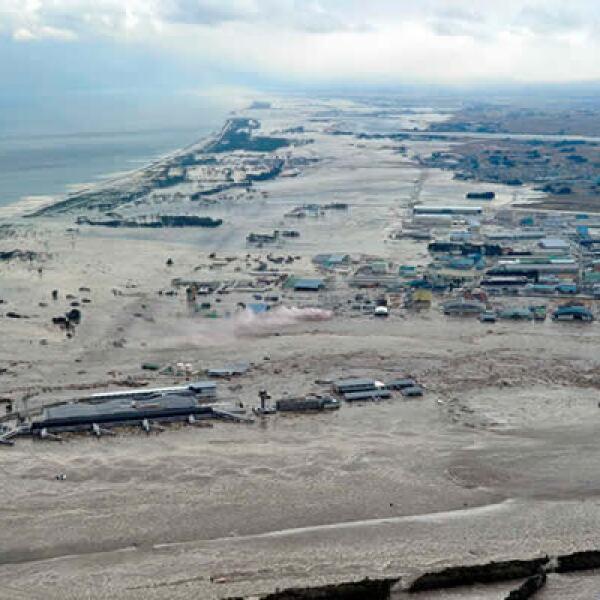 El Aeropuerto de Sendai, al noreste de la región, se inundó después del tsunami.