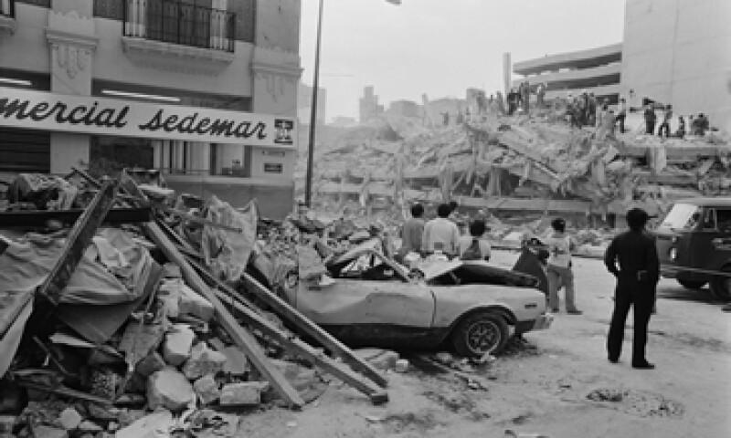 El sismo dejó por lo menos 10,000 personas muertas, según cifras oficiales (Foto: Getty Images/Archivo)
