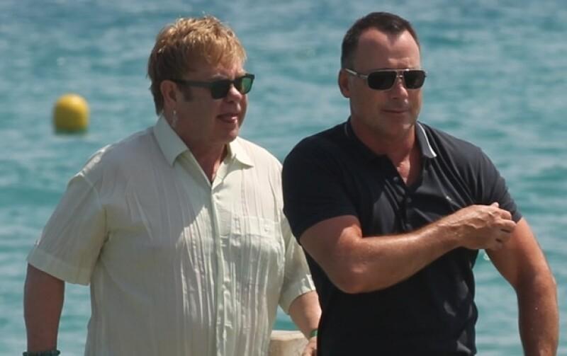 Elton John y David Furnish pasaron sus vacaciones de fin de año en Saint Tropez.