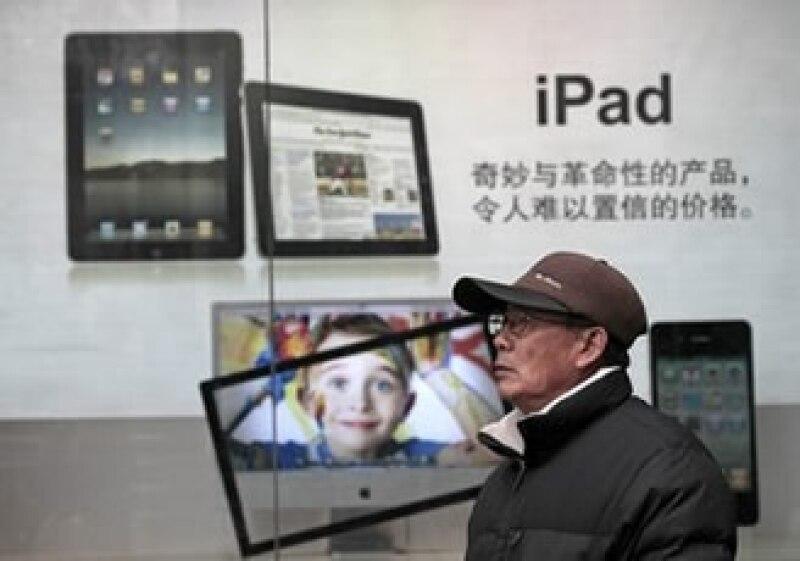 El computador de pantalla táctil aportó más de 9,000 mdd de ingresos a la compañía en 2010. (Foto: Reuters)