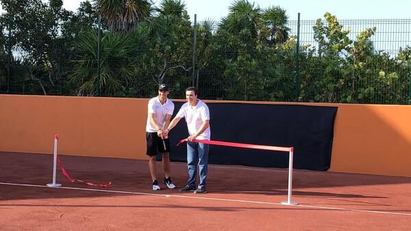Rafael Nadal inauguró en Cancún su segunda escuela de tenis en el mundo.