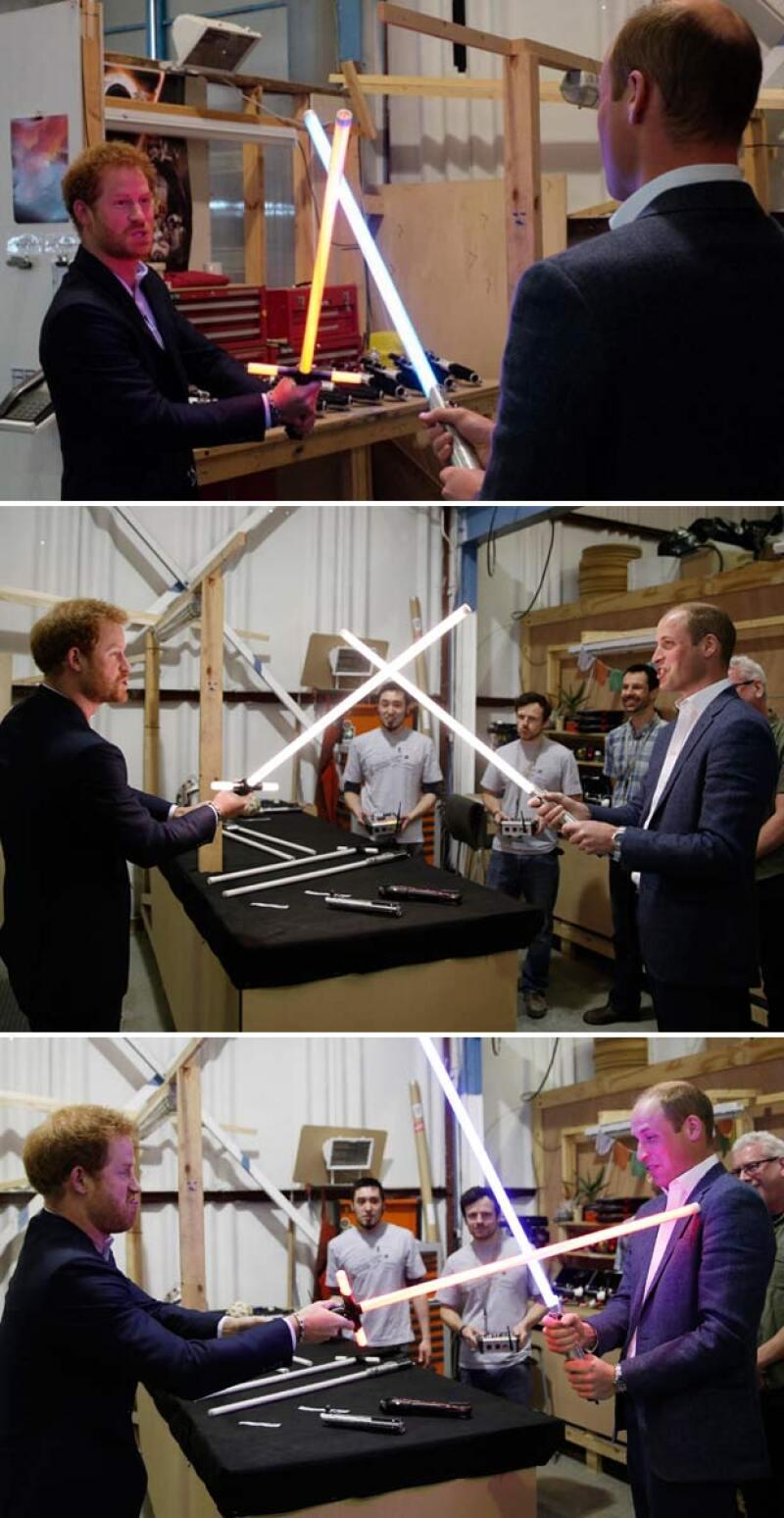 La pelea entre Harry y William con espadas láser como todos unos verdaderos jedi.