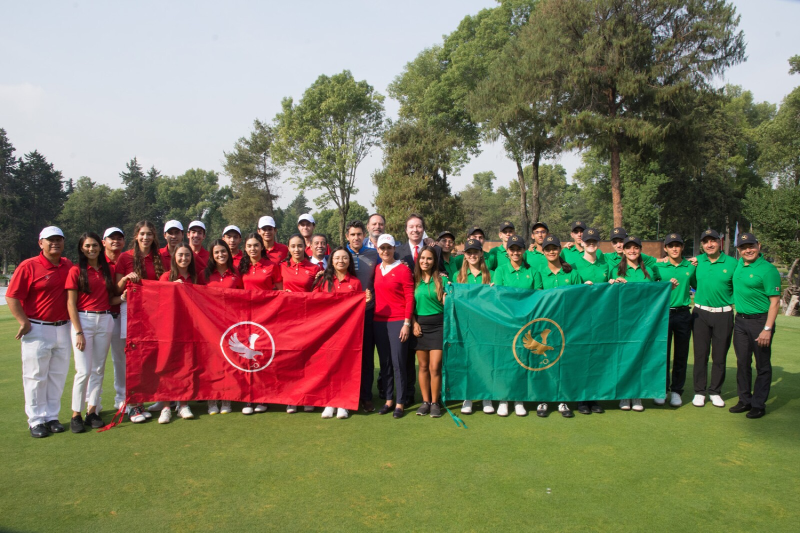 Equipo Rojo y Verde con Lorena Ochoa.jpg