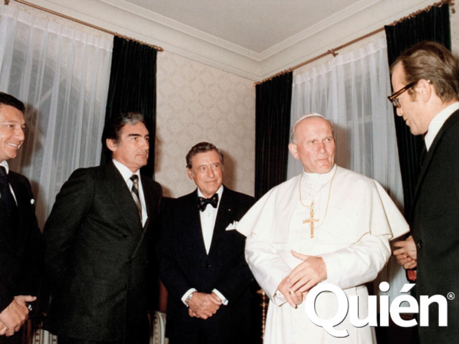 Con Miguel Alemán Velasco, Emilio Azcárraga Milmo, Romulo O´Farrill Jr y el Papa Juan Pablo II.