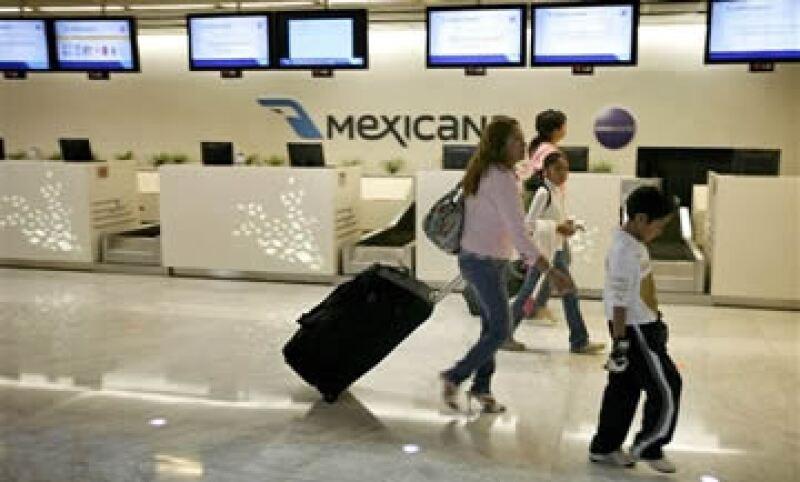 Grupos como Med Atlántica, Union Swiss y Lomex se mantienen en la puja por la línea aérea más antigua de México y América Latina. (Foto: AP)