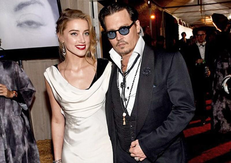 El actor llega a los 52 años hoy, una vida donde se le ha relacionado sentimentalmente con guapas y exitosas mujeres, hasta que finalmente fue Amber Heard la que ganó su corazón.
