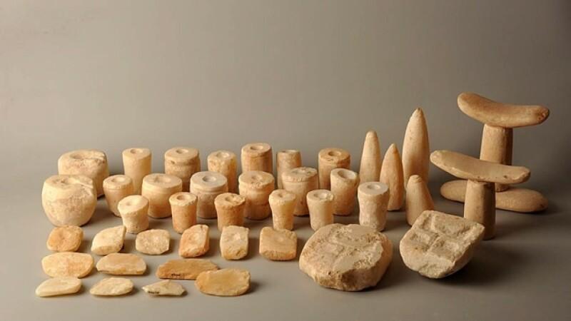 utensilios hallados en la tumba del fararon Haguti Najt